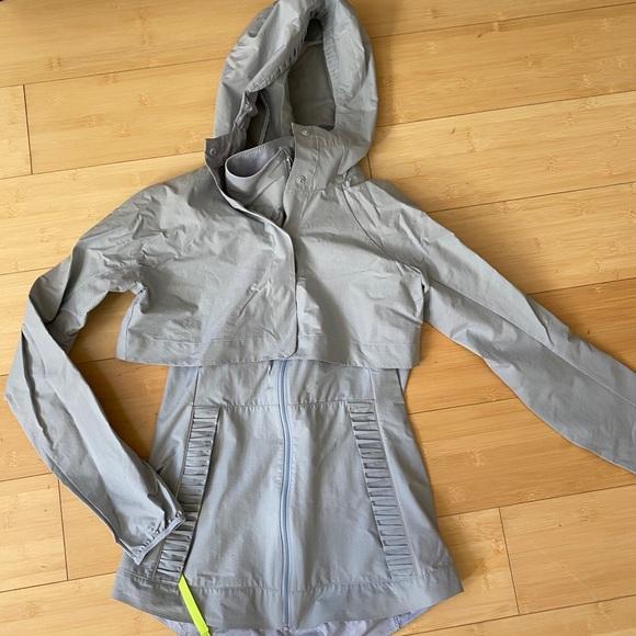 lululemon athletica Jackets & Blazers - Lululemon gray running rain jacket vest size 4